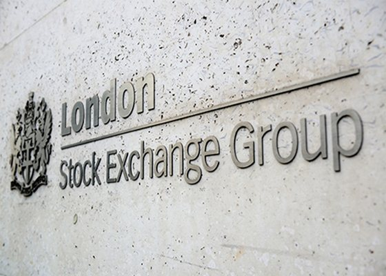 Trading issue delays opening of London main indices