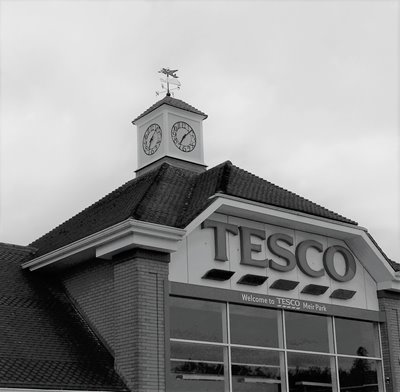 Tesco Powers Ahead with Online Sales